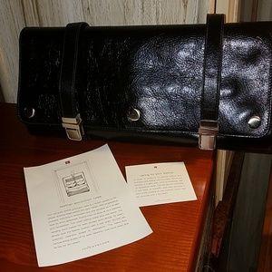 red Envelope Men''s Leather Excursion Case